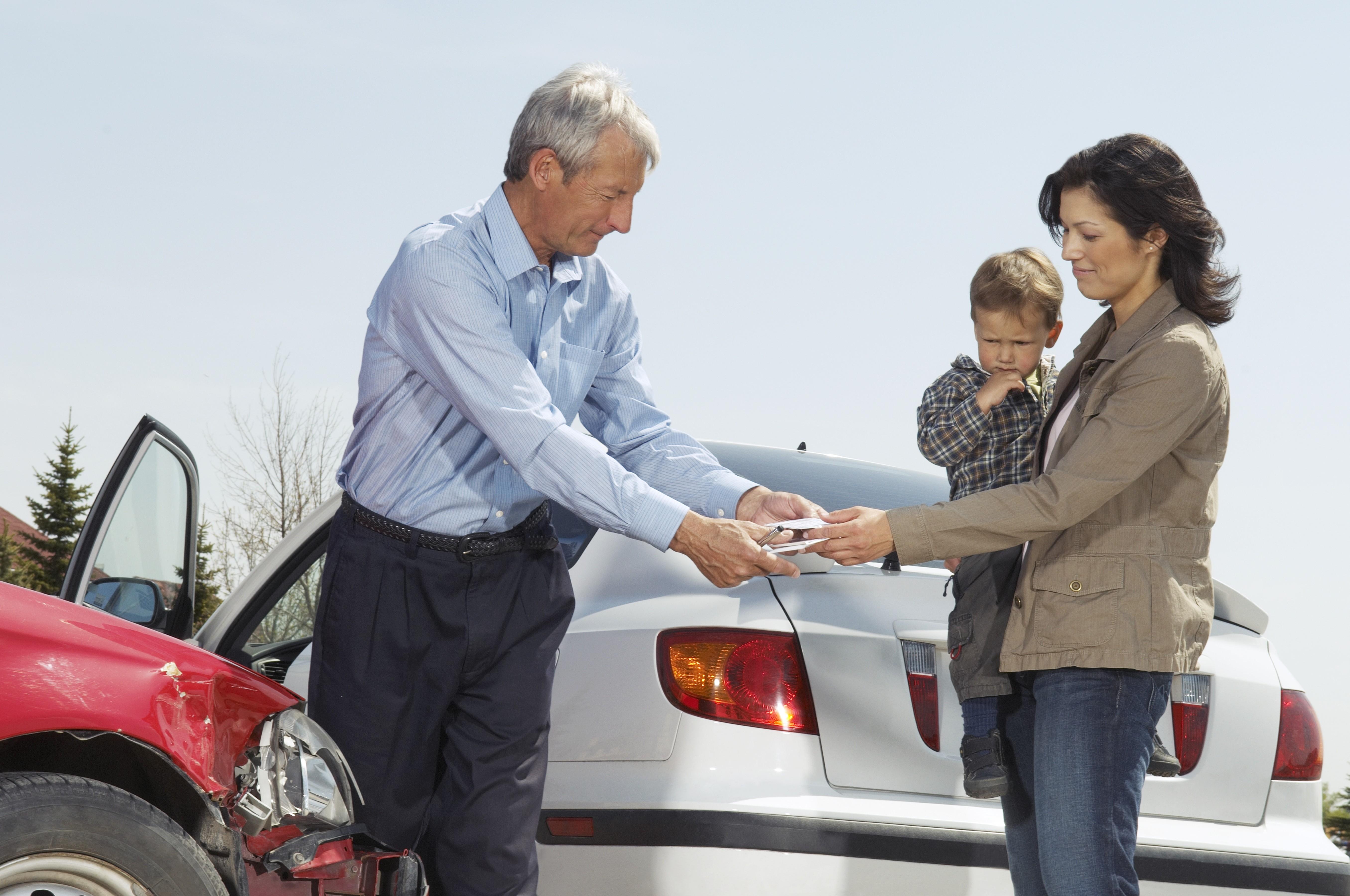El seguro del coche puede incluirse en la compra-venta para el nuevo tomador.